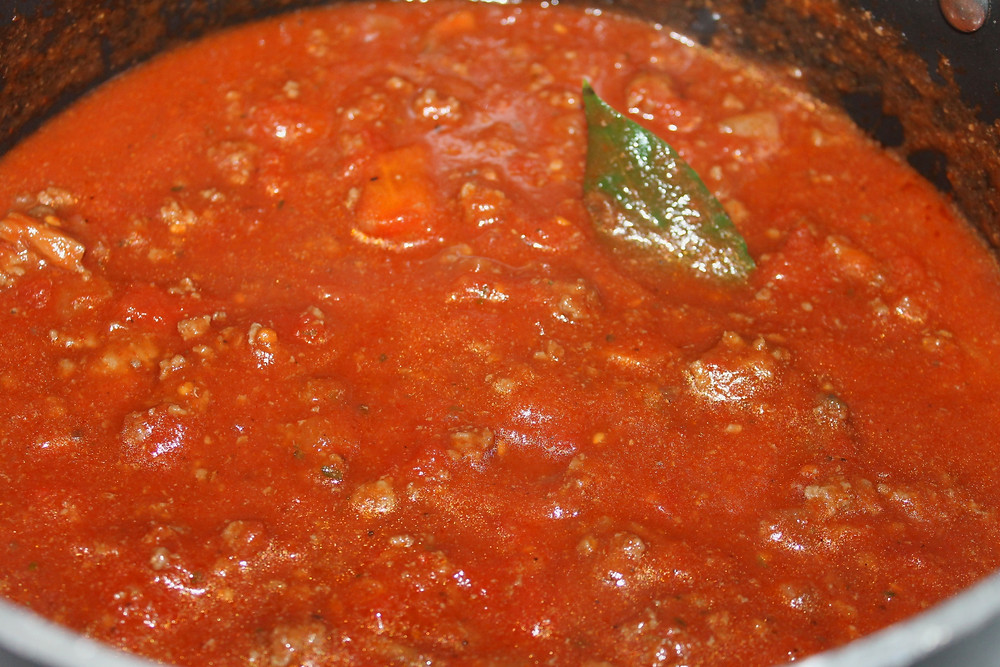 Homemade Tomato Sauce for Lasagna.JPG