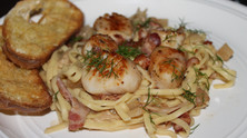 Date Night At Home: Pan Seared Scallops in Fennel Bacon Cream Sauce!