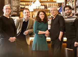 Photo Quintet Murmures ANNE LE GOFF chanteuse plurielle chef de choeur coaching en entreprise professeur de chant Les Trois Moustiquaires Système D Lacadencia