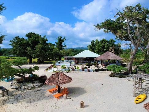 Restaurant and Guest Beach