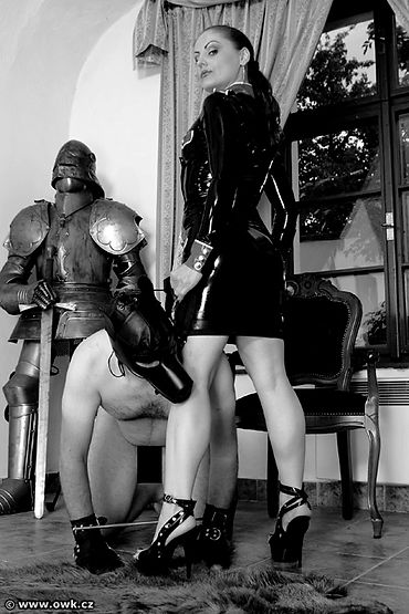 Mistress Gemini at the OWK