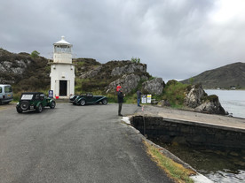 Waiting for the Skye turntable ferry