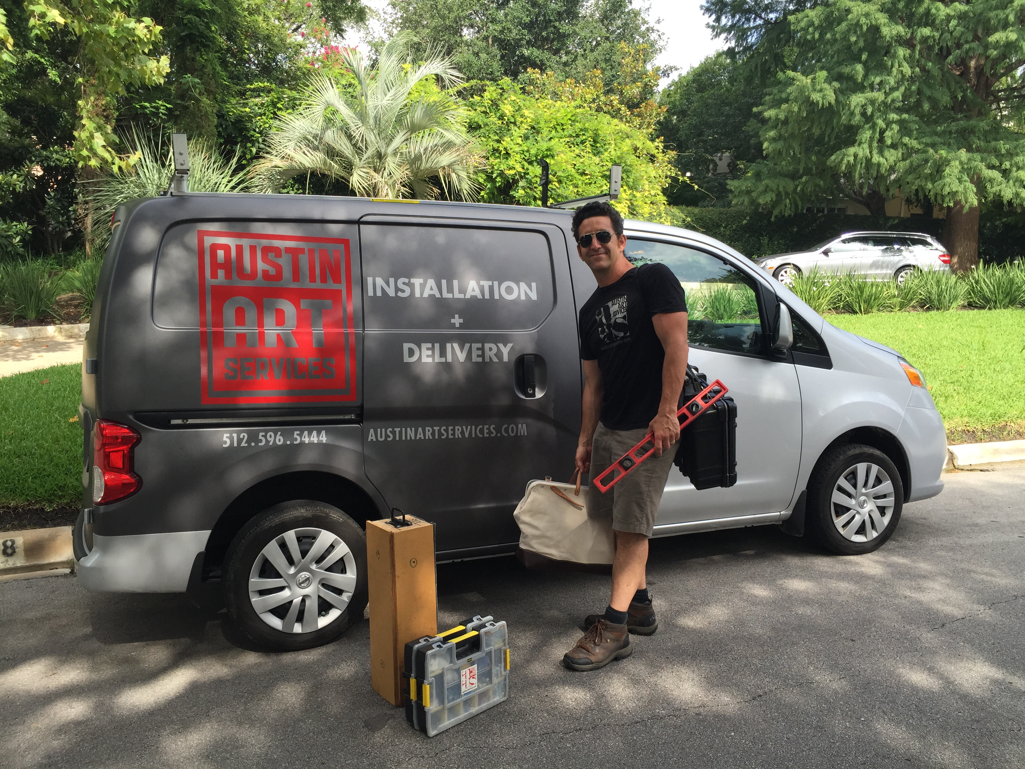 Local art delivery for Central Texas