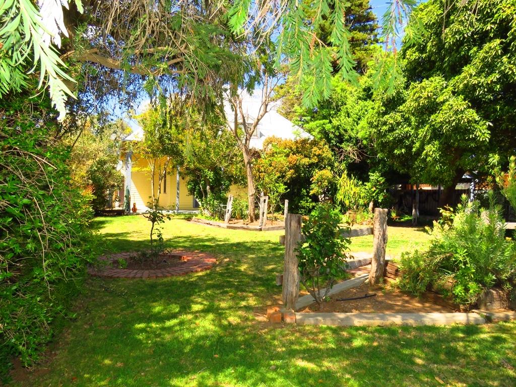 Park-like gardens