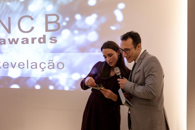 Prémio Revelação entregue pela Drª Sofia Pereira e pelo Técnico de Prótese Rui Ruivo