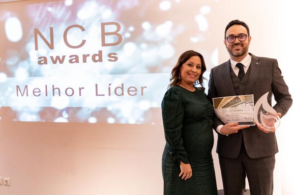 Prémio Melhor Líder - Dr Luís Cascalheira, entregue pela Drª Vera Pires