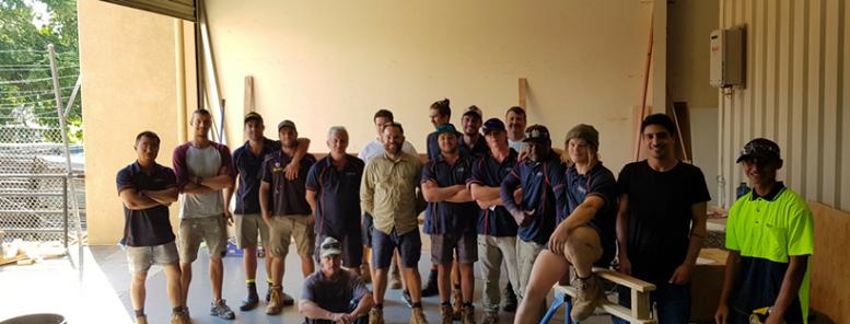 hangan crew workers