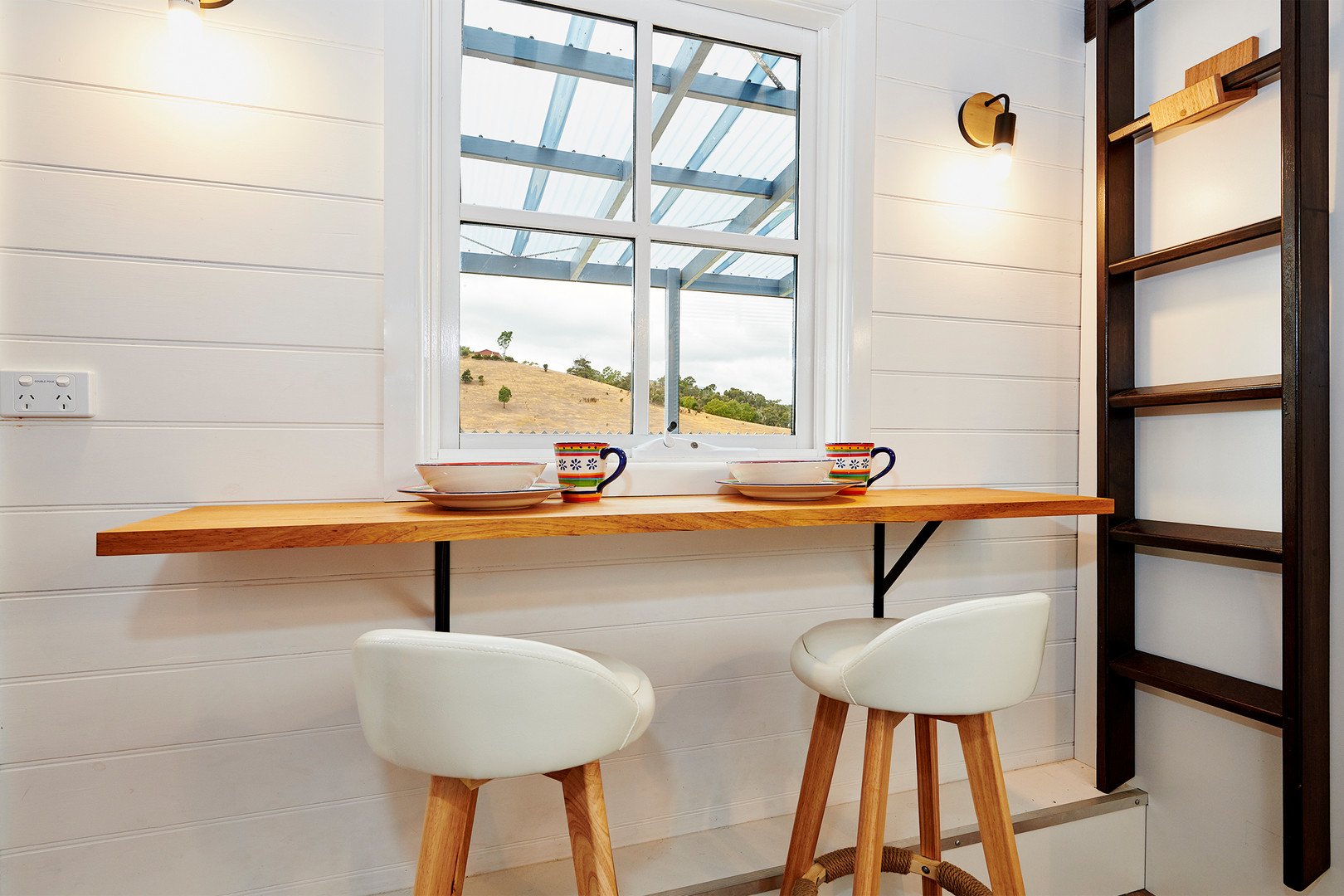 breakfast bar with chairs