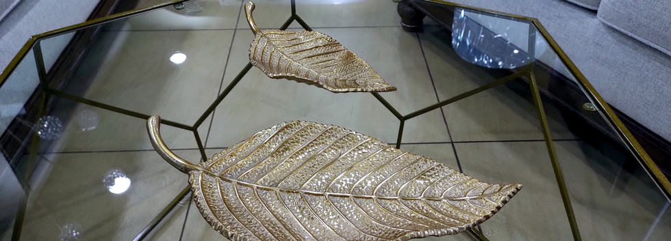 Set of 2 – Decorative Aluminum Leaf Trays