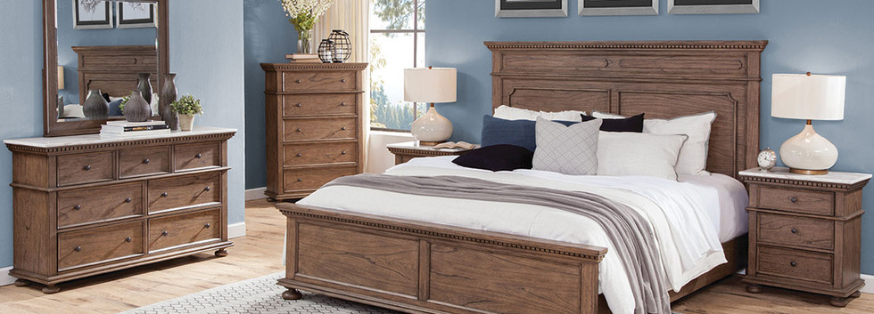 Grand Traditional 5-Piece King Bedroom Group