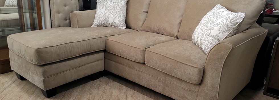 Sofa with Chaise – Adjustable Left or Right