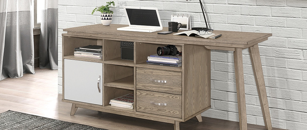 Versatile Writing Desk