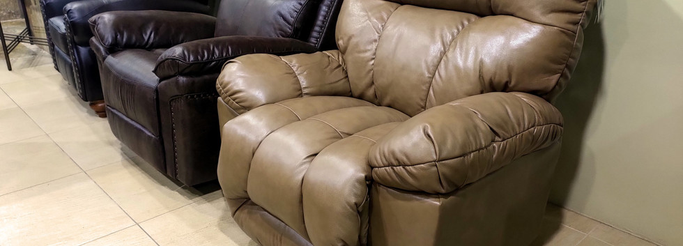 LEATHER Space-Saver Recliner