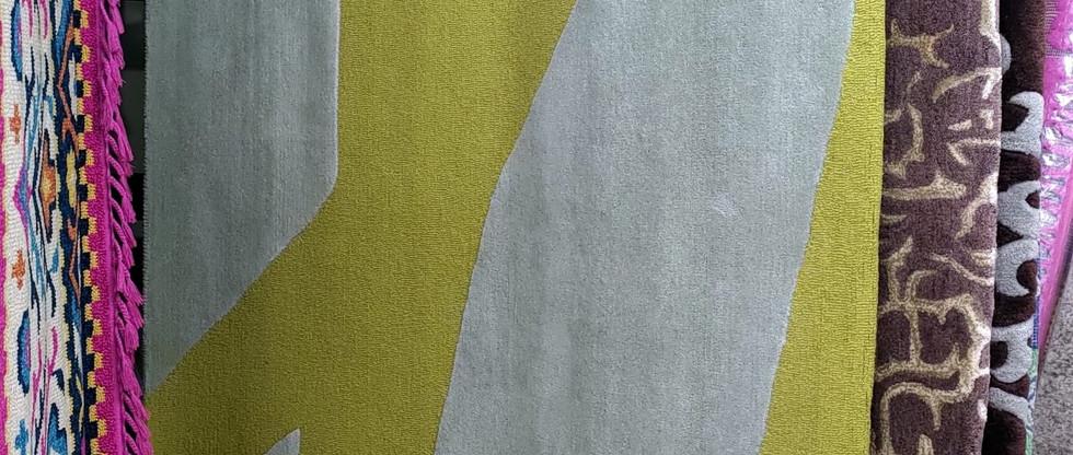 8′ x 10′ Rug – 100% Wool
