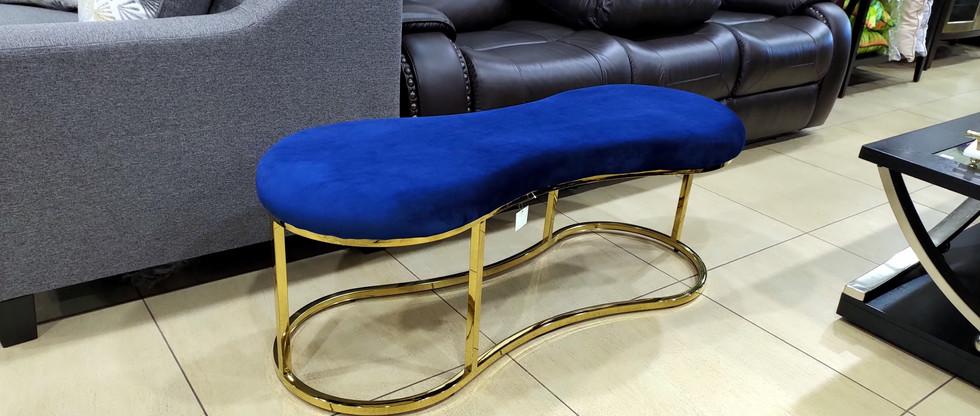Curvy Velvety-Soft Bench