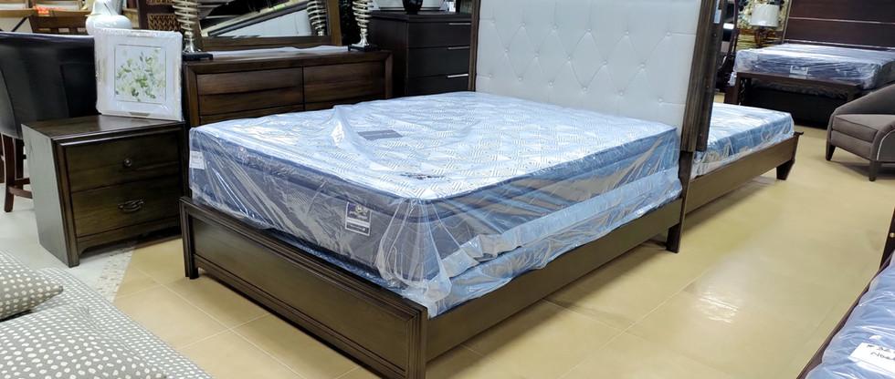 Queen Bed + 2 Night Stands