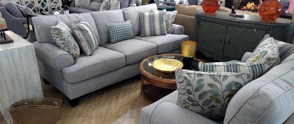 Cottage Style Sofa & Loveseat