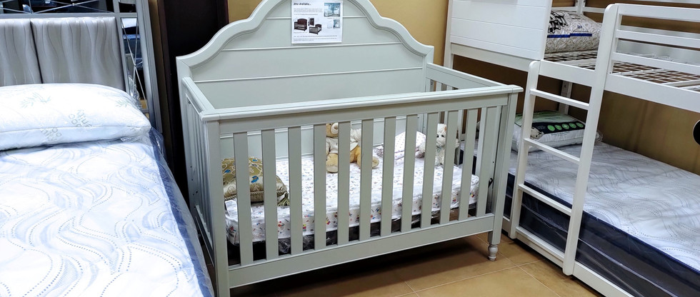 Quality Multi-Age Crib – Adjustable to THREE Height Levels!