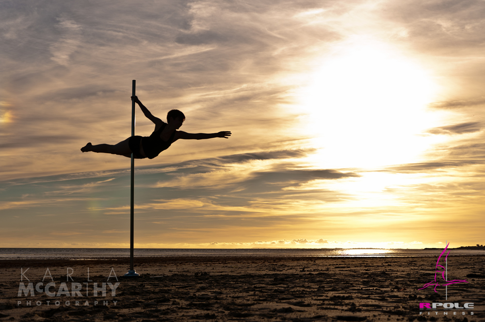 RPole_Strada_Free_Standing_Dance_Pole_on_the_beach