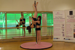 advanced-pole-instructor-training-inverted-crucifix-with-spotter2-copyright-pole-passion