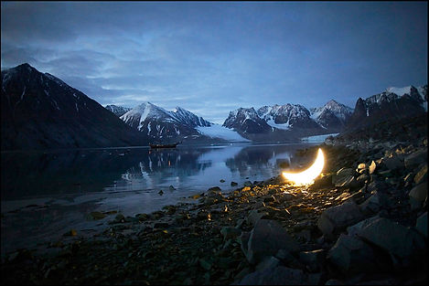 12_Private-Moon-in-the-Arctic_Svalbard_M