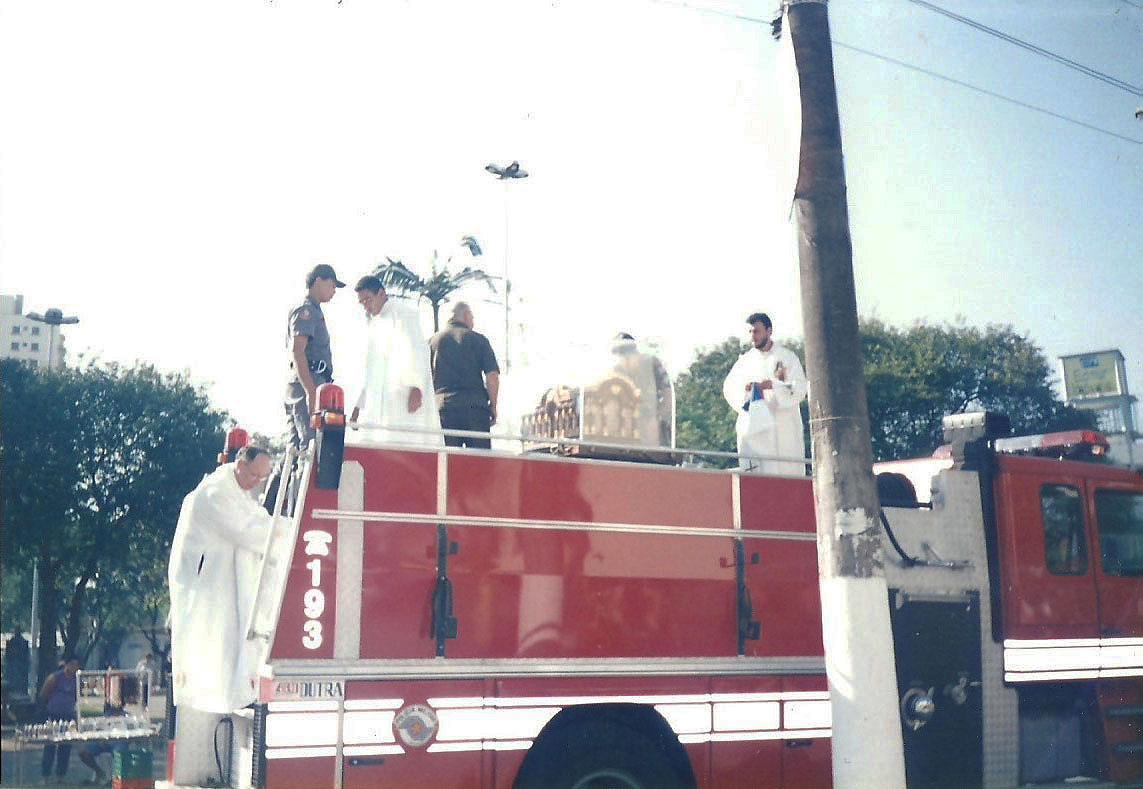 1998_(setembro)_-_Visita_das_Relíquias_de_Sta._Teresinha_-_Pe._Mateus_(2)