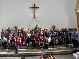Comunidade acolhe novos catequistas e crianças da Catequese