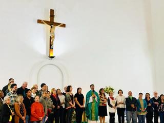 Peregrinação à Terra Santa: Padre Tiago e peregrinos recebem envio para a viagem