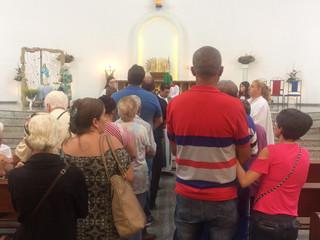 Enfermos recebem Sacramento na missa em Ação de Graças à Nossa Senhora de Lourdes