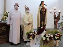 Pe. Francinaldo celebra 2º dia do Tríduo de Santa Teresinha
