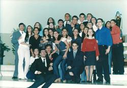 2003 (maio) - Crisma - Pe. Jorge e Pe. Nelson (convidado) - catequistas
