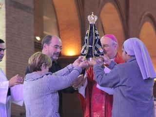 Imagem Peregrina visita a Paróquia Santa Teresinha