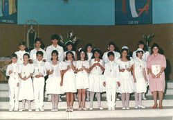 1988_-_Primeira_Comunhão_-_Pe._Luiz_-_turma_catequista_Linda