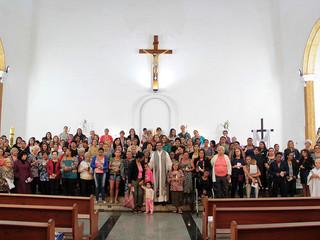 Paróquia Santa Teresinha celebra missa para famílias assistidas pelos Vicentinos