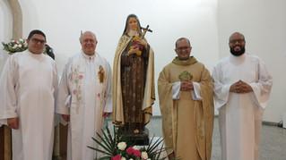 Irmãs de Santa Teresinha são tema de última missa do Tríduo