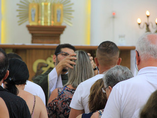 Missa em louvor à Nossa Senhora de Lourdes conta com oração pelos doentes e Unção dos Enfermos