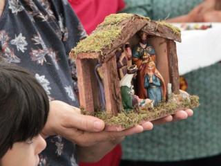 Início do Advento tem bênção dos presépios e envio para a Novena de Natal