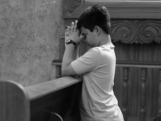 Como rezar em casa?   Conheça a Liturgia das Horas