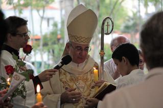 Bispo Dom Pedro Cipollini celebra 80 anos da Paróquia Santa Teresinha