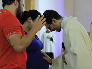 Gestantes recebem bênção no último domingo do Advento