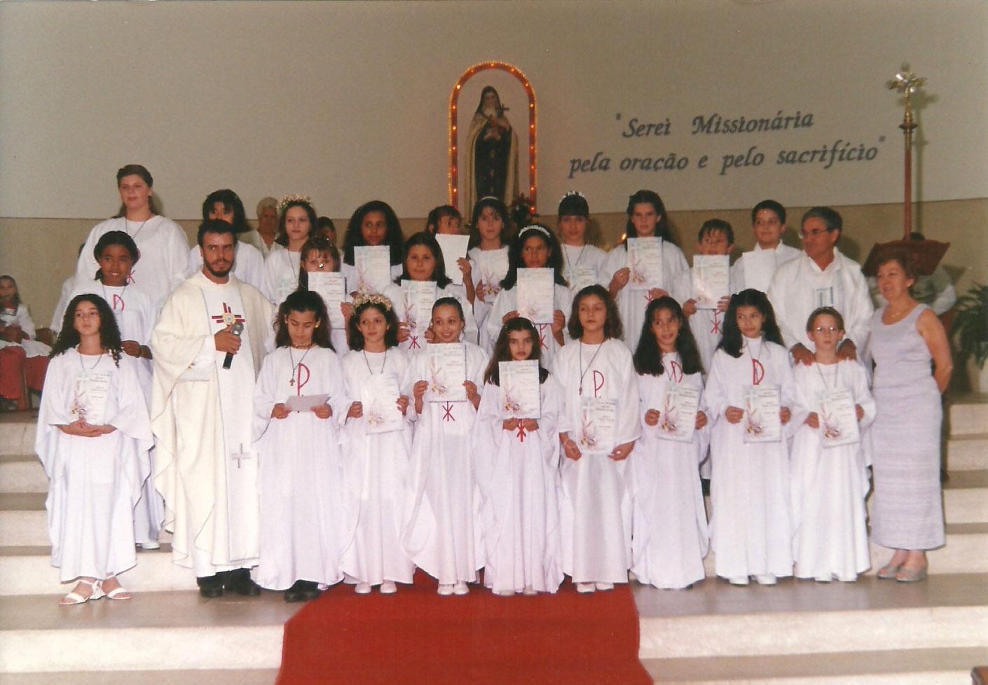 1999_-_Primeira_Comunhão_-_Pe._Mateus_(1)