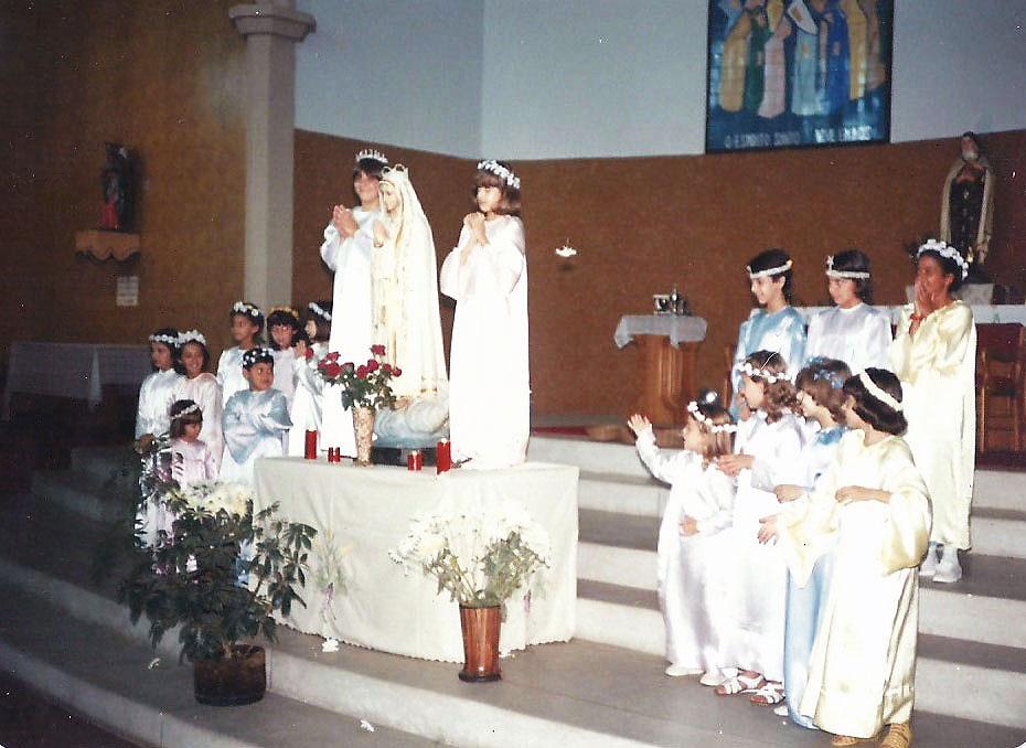 1982_a_1989_-_Coroação_de_Nossa_Senhora_-_Pe._Odair__(2)