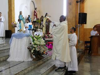 Padre Odair Bezerra celebra Festa da Imaculada Conceição na Paróquia Santa Teresinha