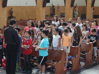 Crianças da Catequese realizam evento da 1ª Confissão