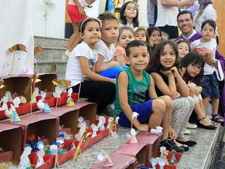 Crianças da Pré-Catequese confeccionam presépios para o Natal