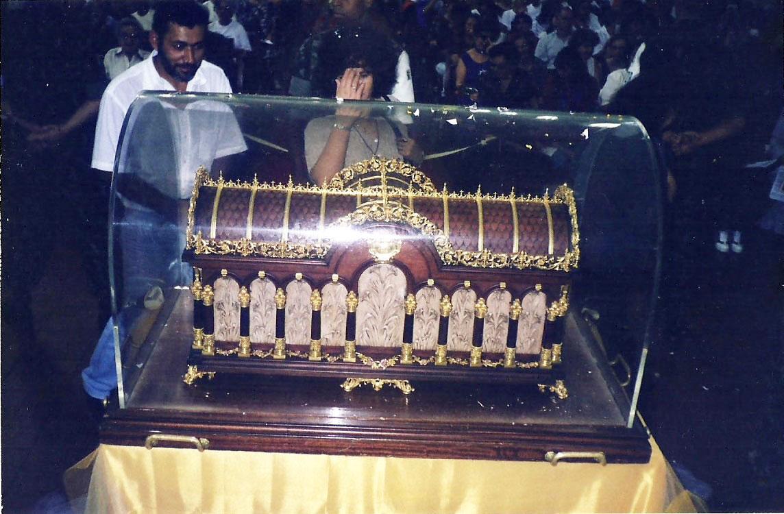 1998_(setembro)_-_Visita_das_Relíquias_de_Sta._Teresinha_-_Pe._Mateus_(1)