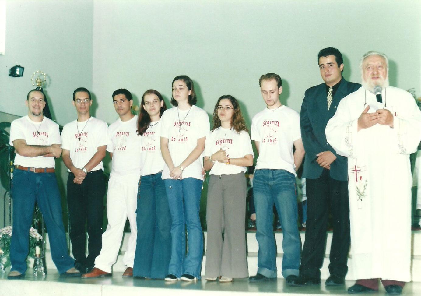 2003_(maio)_-_Crisma_-_Pe._Jorge_e_Pe._Nelson_(convidado)_-_grupo_de_música