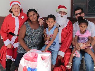 Festa de Natal para as crianças anima domingo de famílias assistidas pelos Vicentinos
