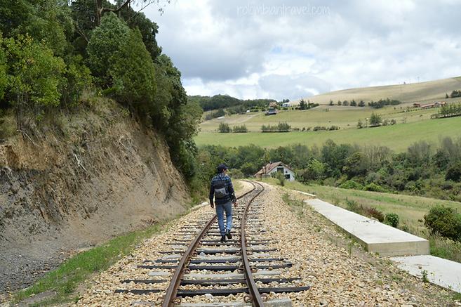 Vía férrea camino a Suesca desde vereda Santa Rosita (Cundinamarca)