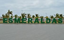 Letrero de Esmeraldas en Playa Las Palmas, Ecuador